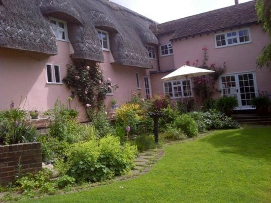 The Pink Cottage Boutique Bed and Breakfast: The Pink cottage South View
