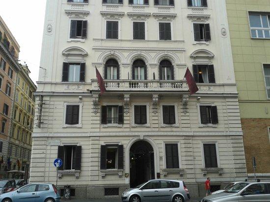 stabile dell'Hotel Dolomiti