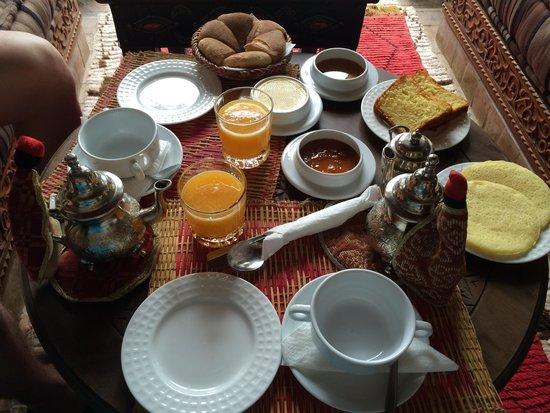 Riad Elnoujoum : Petit déjeuner