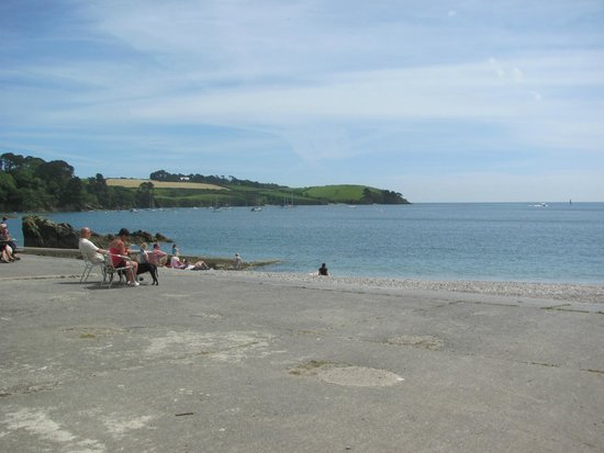 The Beach at Trebah Gardens, Halfway around