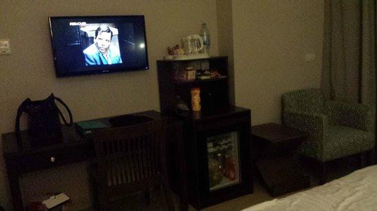 Steigenberger Aqua Magic: Main King Bedroom mini-bar, tv, coffee station