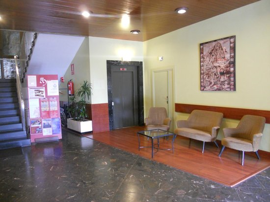 Hotel Abat Cisneros: hall