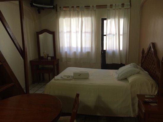 Hotel Bucaneros: First floor room