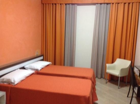 Hotel Fiera Congressi: camera