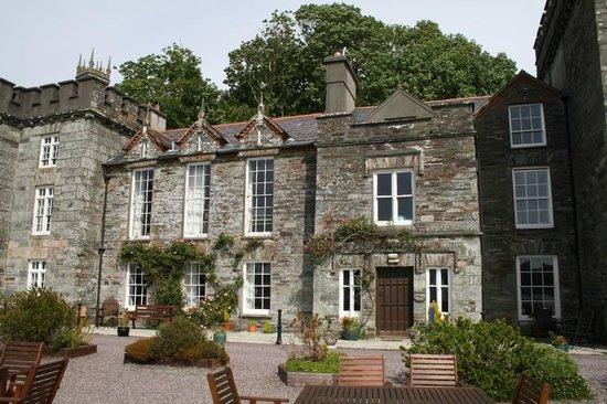 The Castle Townshend: Aussenansicht rechts