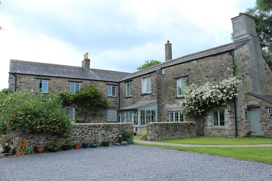 Blackler Barton House : Front view of B&B, stunning.