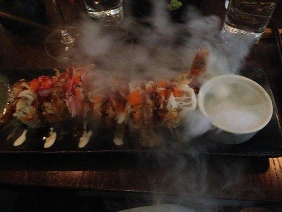 Banyi Japanese Dining: Sushi with dry ice