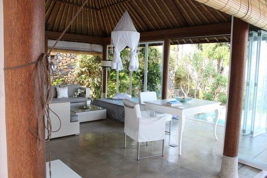 Shunyata Villas Bali: Wohnzimmer
