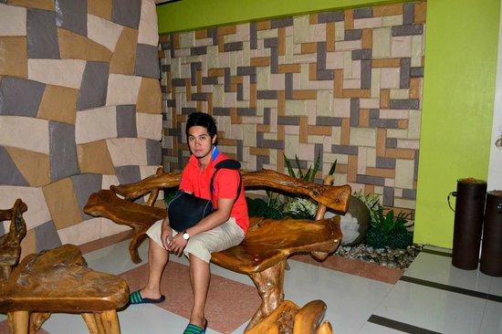 Metro Vigan Regency Hotel: Lobby