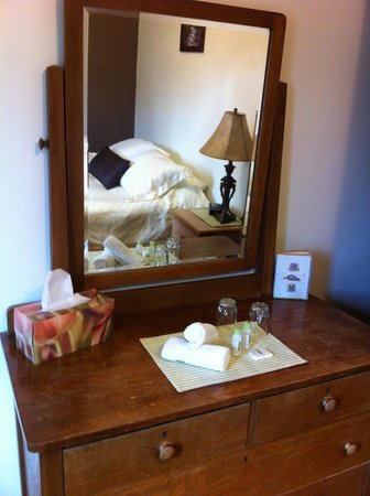 Rocky Mountain B&B : Small but clean