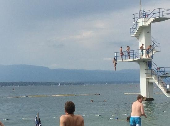 Geneve-Plage : a jump into the lake