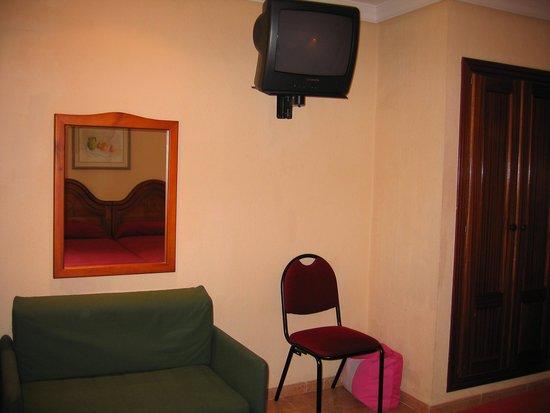 Diverhotel Marbella: Habitación