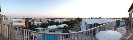 Rosemont: panarama room view