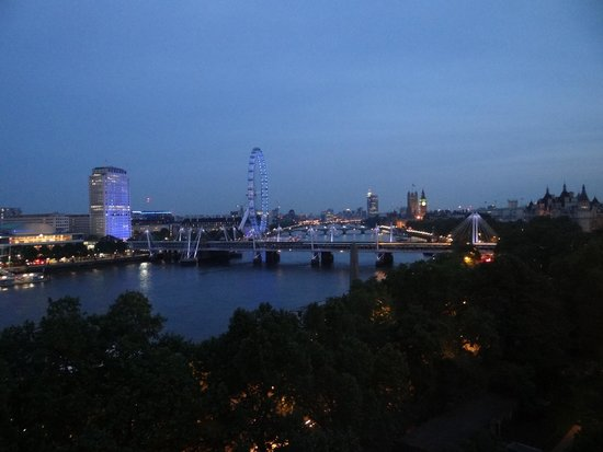 The Savoy: Nighttime view from our 7th floor River Suite