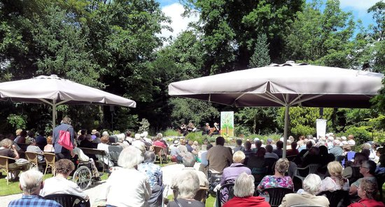 Arboretum Trompenburg: Perenhof  zondagmiddagconcert