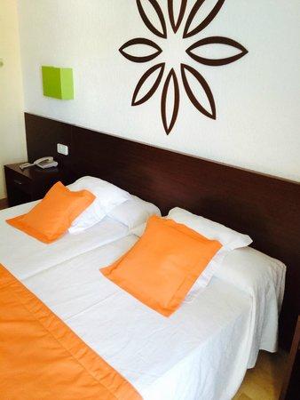 H10 Delfin: Hotel room