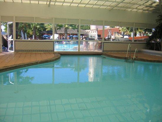 Diverhotel Marbella: Piscina cubierta