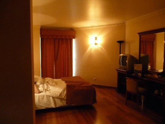 Turim Lisboa Hotel: First floor room