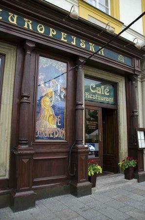 Europejska Café, ingresso