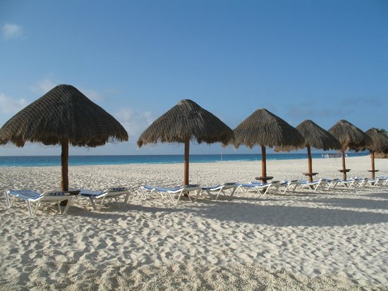 Grand Park Royal Cancun Caribe: Beach