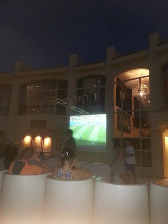 Sindbad Aqua Hotel & Spa : Watch the World Cup at the Beach Resort