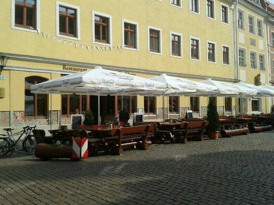 Restaurant Ratsherrenstuben: Biergarten direkt am Markt