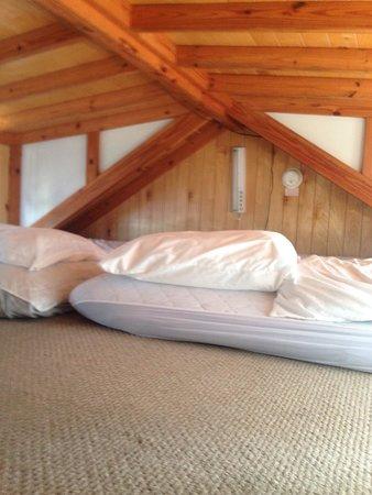 Navarre Beach Campground: Loft area cabin C60
