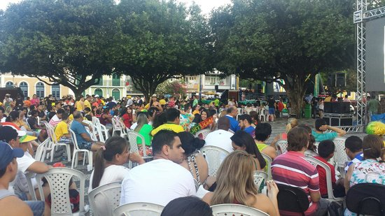 """Church of São Sebastião e São Francisco de Assis: World Cup time at """"Largo São Sebastião"""" USA x Porrugal"""