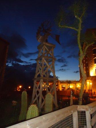 PortAventura Hotel PortAventura : décoration autour de l'hôtel