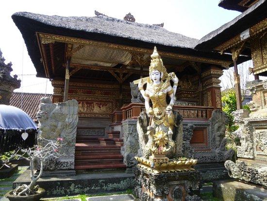 Cafe Lotus: Temple Sculpture