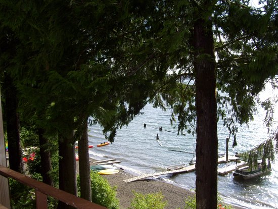 Lake Quinault Lodge: The view from our balcony.