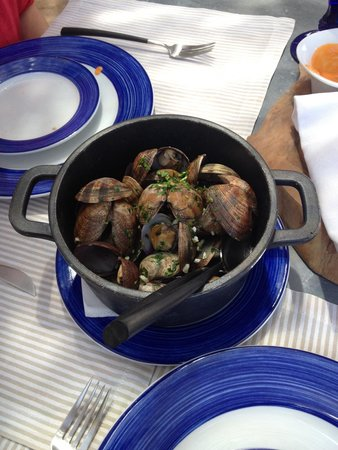 Cap Rocat : Almejas y alcachofas en salsa de perejil