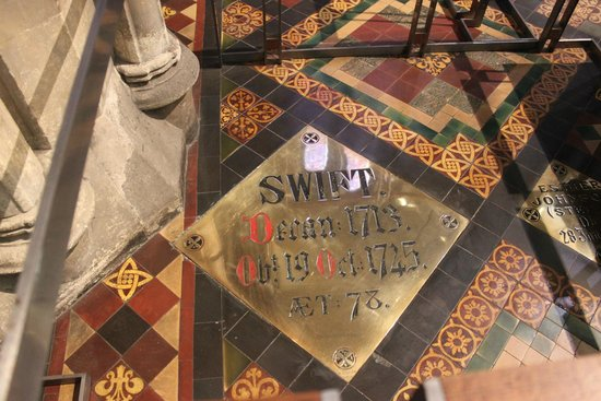 Saint Patrick's Cathedral: Swift's grave