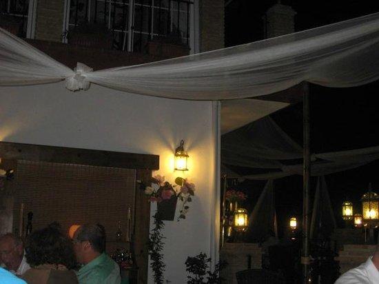 Tehuelche Grill Argentino : Smuk udsmykning af terassen