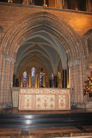 Saint Patrick's Cathedral: Altar