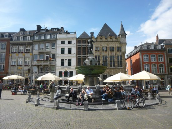 Aachen Cathedral (Dom): AREA MARKET