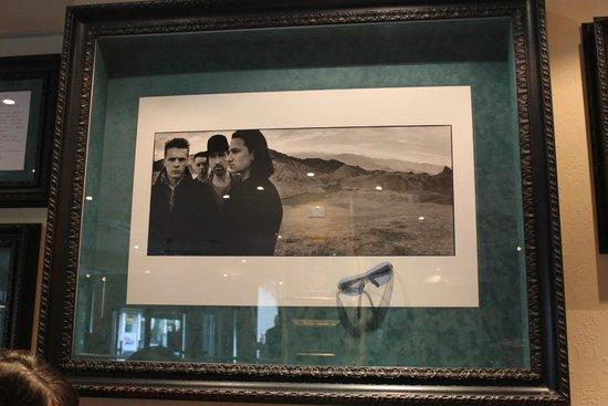 Hard Rock Cafe: Bono's glasses