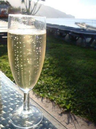 Pestana Casino Park Hotel: Sparkling wine for breakfast