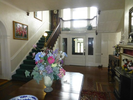 Kane Manor Country Inn: Stairs
