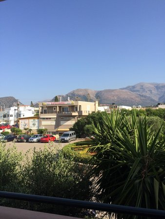 SENTIDO Vasia Resort & Spa : Shop just outside hotel