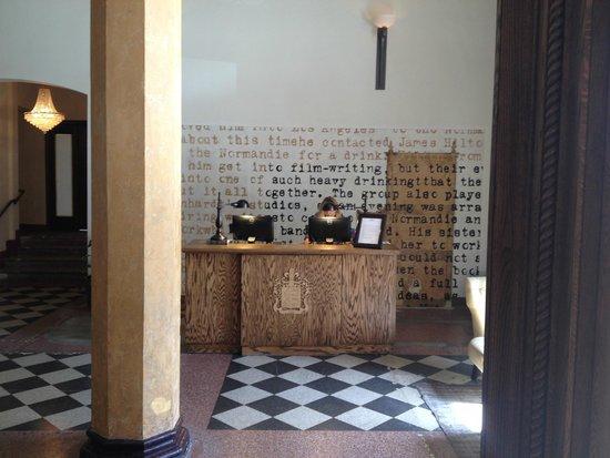 Hotel Normandie: Reception