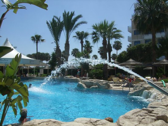 Tasia Maris Beach Hotel: pool
