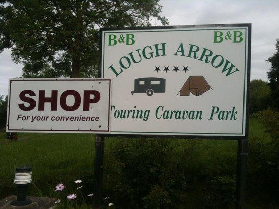 Lough Arrow Touring Park: Entrance to the campsite