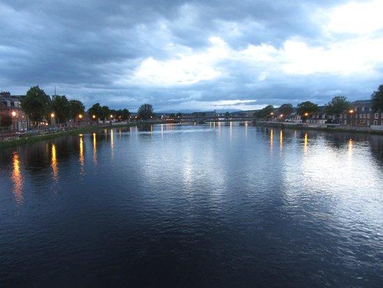 Corran Guest House: Bridge over the River Ness