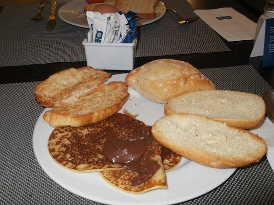 H10 Las Palmeras: Desayuno