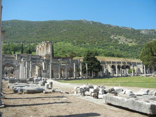 Ephesus Tours: Ágora Ruinas