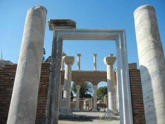 Ephesus Tours: Basilica de St. John