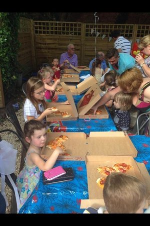 Eat your heart out : Pizza party