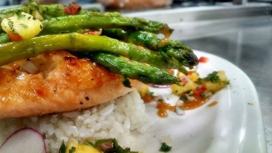 Second Story Restaurant in the Ephraim Shores Motel: Norweigan Salmon