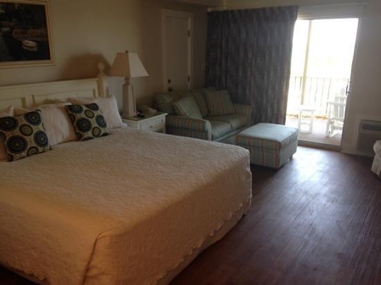 Oceanfront Litchfield Inn: room 222 oceanfront dunes king